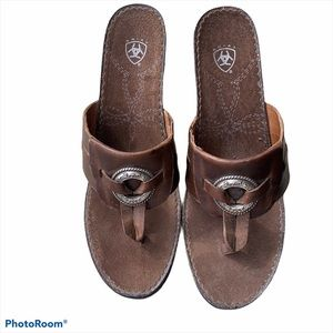 Ariat Women's Leather Wedge Flip Flops Size 10